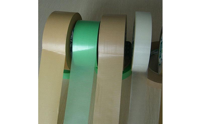 原装进口日本菊水易撕棕色编织布养生胶带,易手撕,出色抗溶剂侵蚀性,可用于建筑遮蔽胶带,建筑喷涂胶带